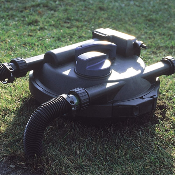 The Oase FiltoClear 1600 Pressure Filter can be partially buried in the ground for easy concealment