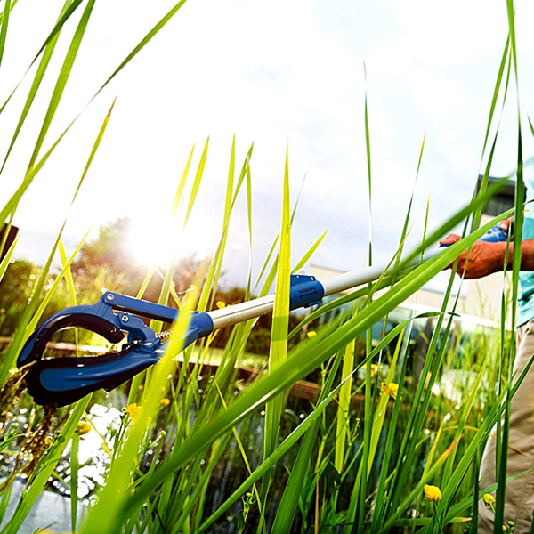Oase Easy Pick Pond Pliers are ideal for regular cleaning and care of your pond